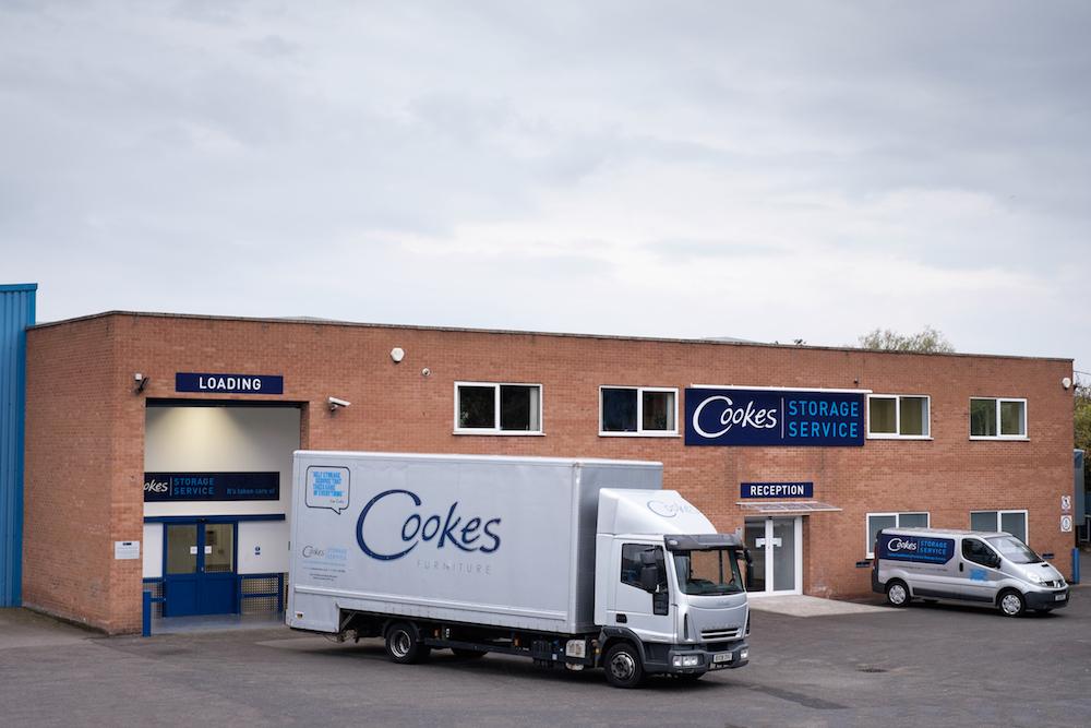 cookes storage service - vans